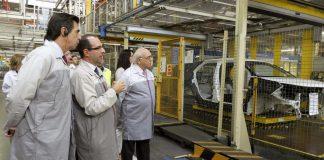 Visita del ex-ministro de industria Jose Manuel Soria a la planta de PSA en Villaverde (Madrid)