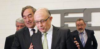 El presidente de la patronal CEOE, Joan Rosell, y el Ministro de Hacienda, Cristobal Montoro.El presidente de la patronal CEOE, Joan Rosell, y el Ministro de Hacienda, Cristobal Montoro.