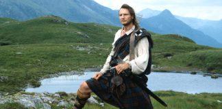 Liam Neeson, interpreta el papel protagonista en la película Rob Roy. En ella, un cuidador de ganado pierde sus tierras a manos de la nobleza rural escocesa.