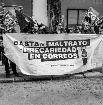 Concentración frente a la AN en Madrid (12 de abril) durante el juicio de impugnación de las bolsas de empleo. Foto de David Martín.