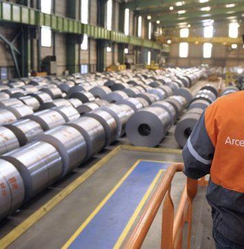 Bobinas de acero en una planta de ArcelorMittal en Euskadi. Foto: Deia.