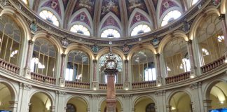 Interior del Palacio de la Bolsa, Madrid. 7 de Septiembre de 2017. Foto: Benjamín Núñez González. Wikimedia Commons