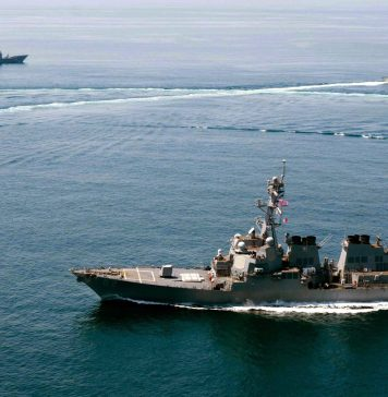 Barcos de la marina militar estadounidense durante unas maniobras en el Mar de China.