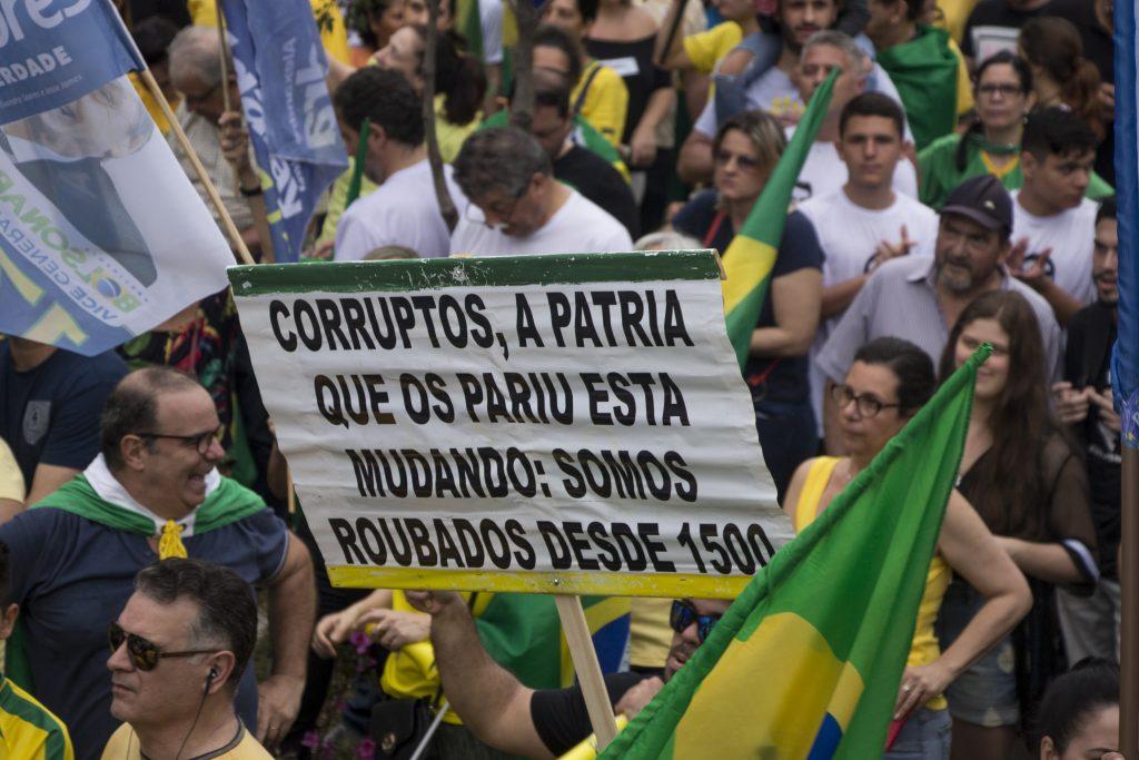 """Manifestación """"Todos con Bolsonaro"""" en la Avda. Goethe de Porto Alegre, Brasil. Foto: Gabriela Felin - 30.09.2018"""