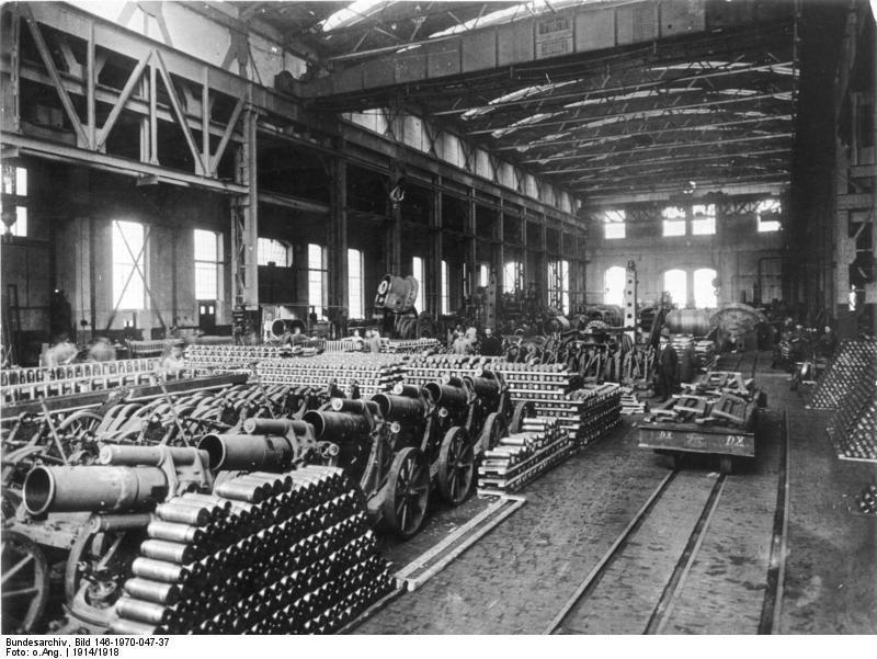La economía militarizada desarrolló nuevas formas de aumentar la explotación de la clase obrera.
