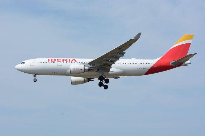 Airbus A330-200 de Iberia. Foto: Masakatsu Ukon (Wikipedia)