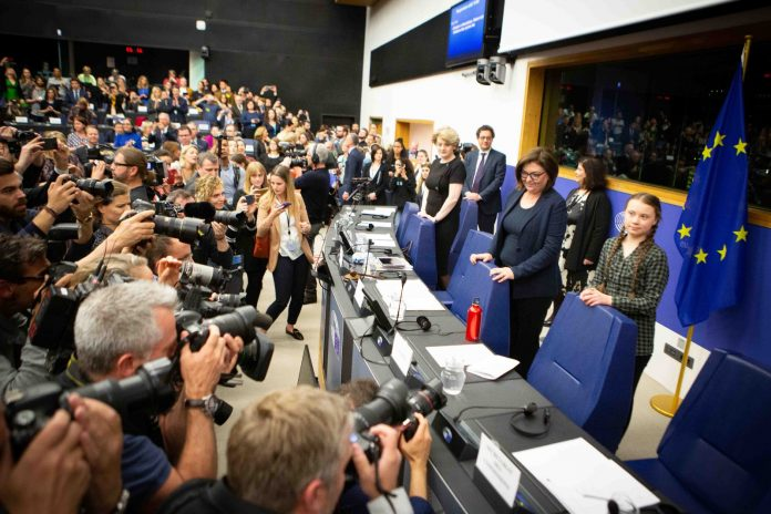 Reunión de Greta Thunberg y el grupo parlamentario europeo de la Izquierda Unitaria Europea/Izquierda Verde Nórdica.