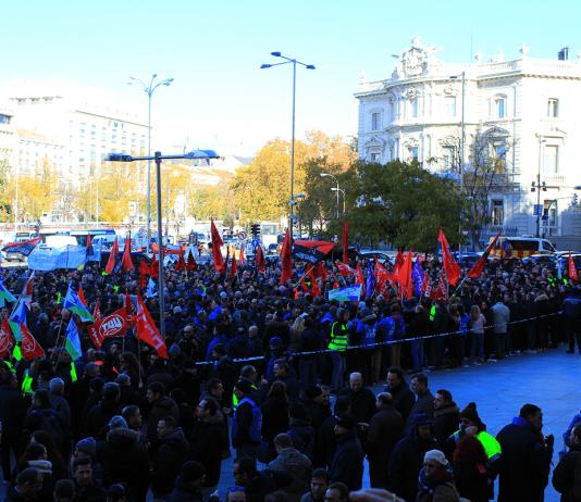 Concentración de sindicatos del transporte público el 3 de diciembre. Foto: La Mayoría.